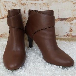 """Banana Republic brown leather 3"""" heel booties"""